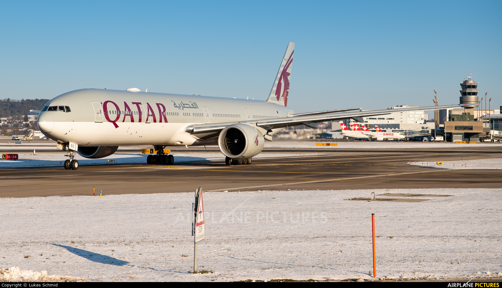 Qatar Airways A7-BEO aircraft at Zurich