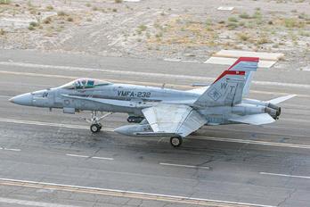 165192 - USA - Marine Corps McDonnell Douglas F/A-18C Hornet