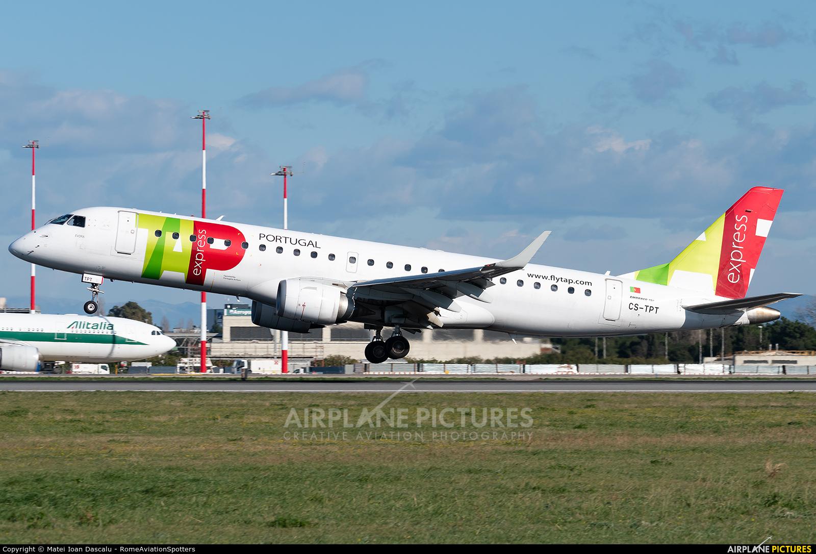 TAP Express CS-TPT aircraft at Rome - Fiumicino