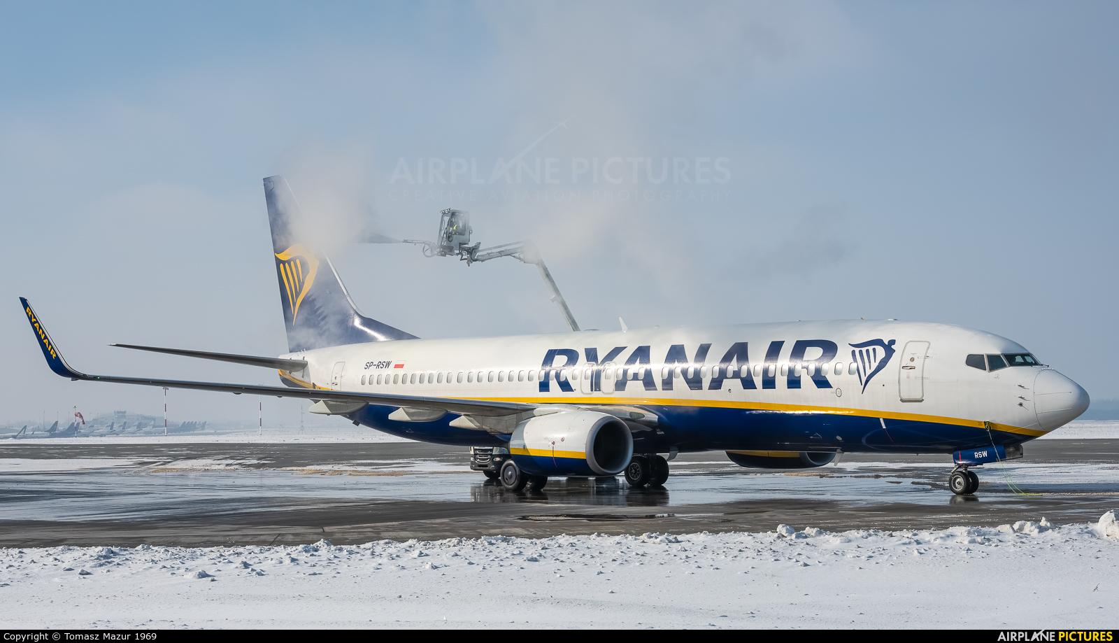 Ryanair Sun SP-RSW aircraft at Katowice - Pyrzowice