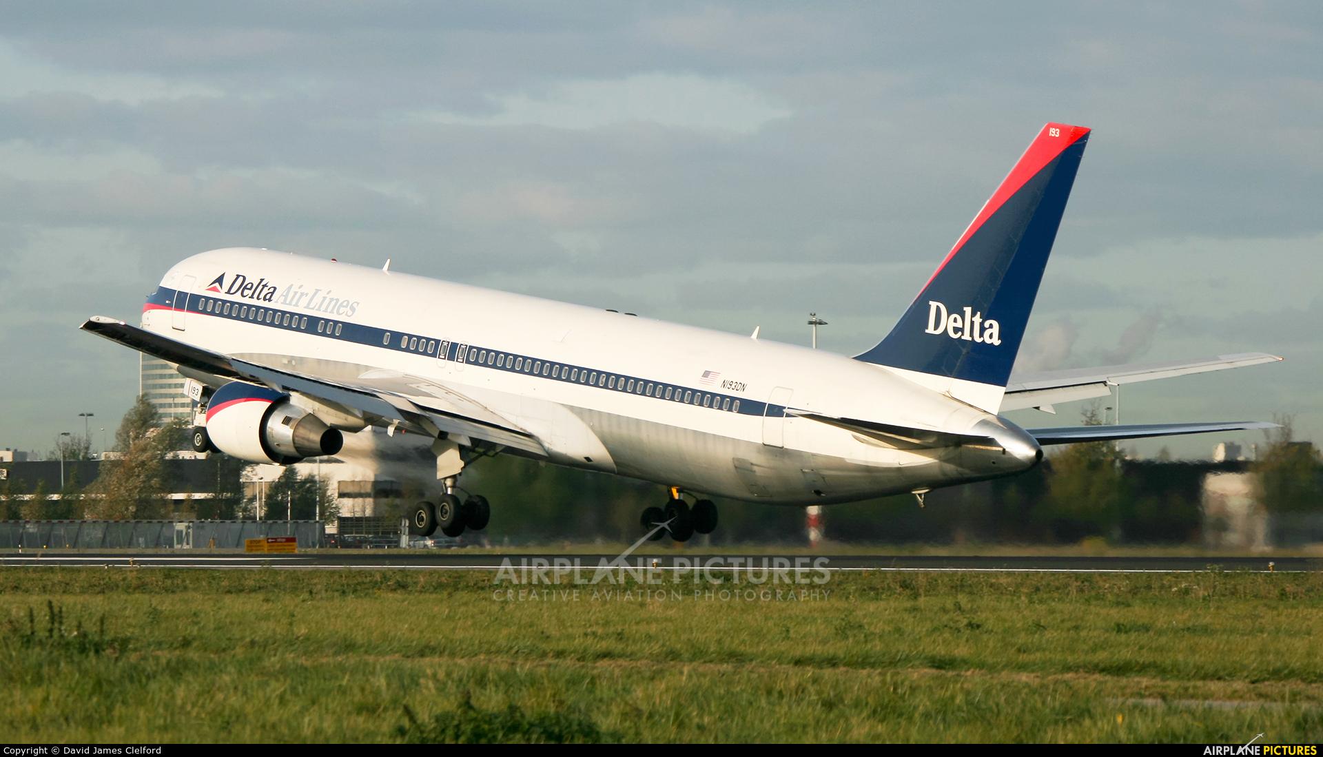 Delta Air Lines N193DN aircraft at Amsterdam - Schiphol