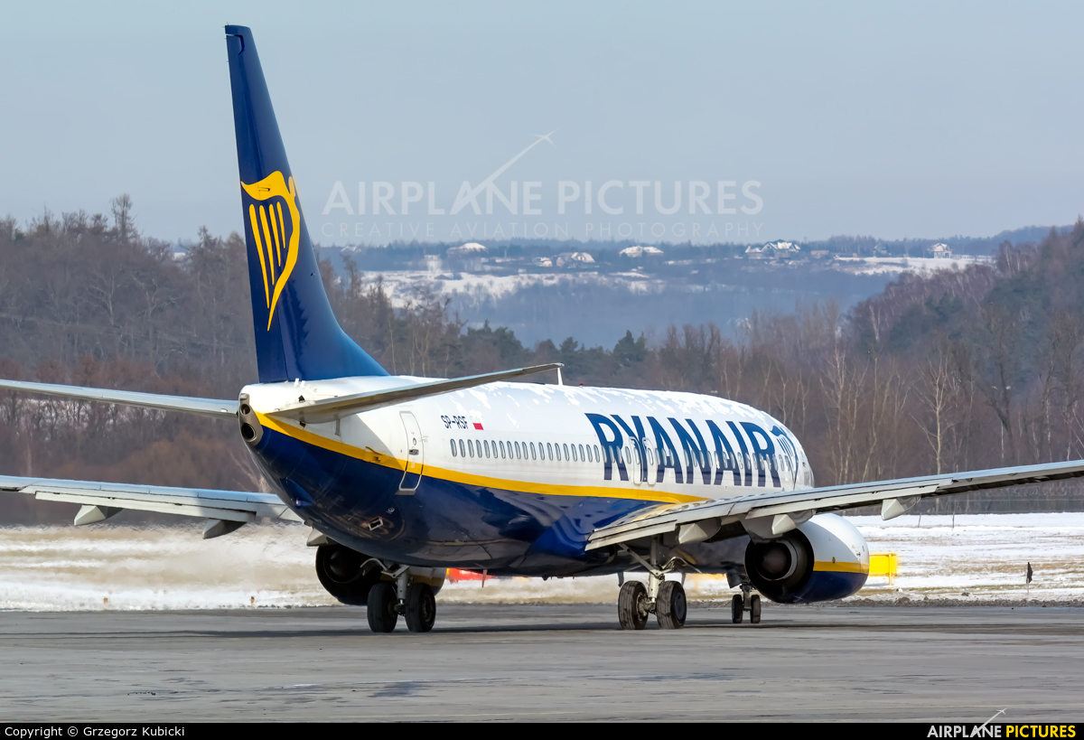 Ryanair SP-RSF aircraft at Kraków - John Paul II Intl