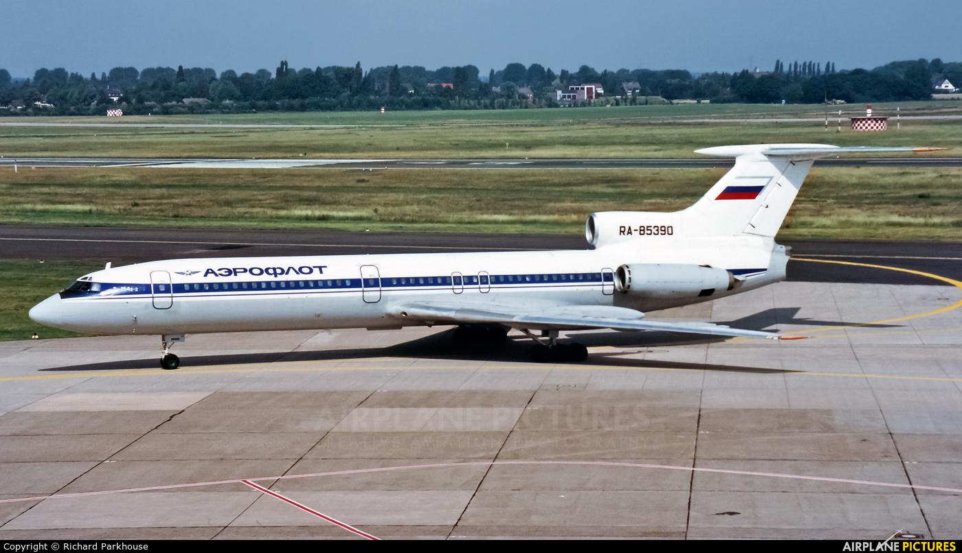 Aeroflot RA-85390 aircraft at Düsseldorf
