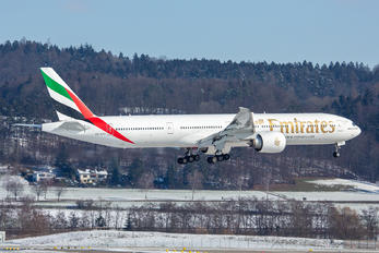 A6-EPY - Emirates Airlines Boeing 777-300ER