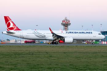 TC-LSV - Turkish Airlines Airbus A321 NEO