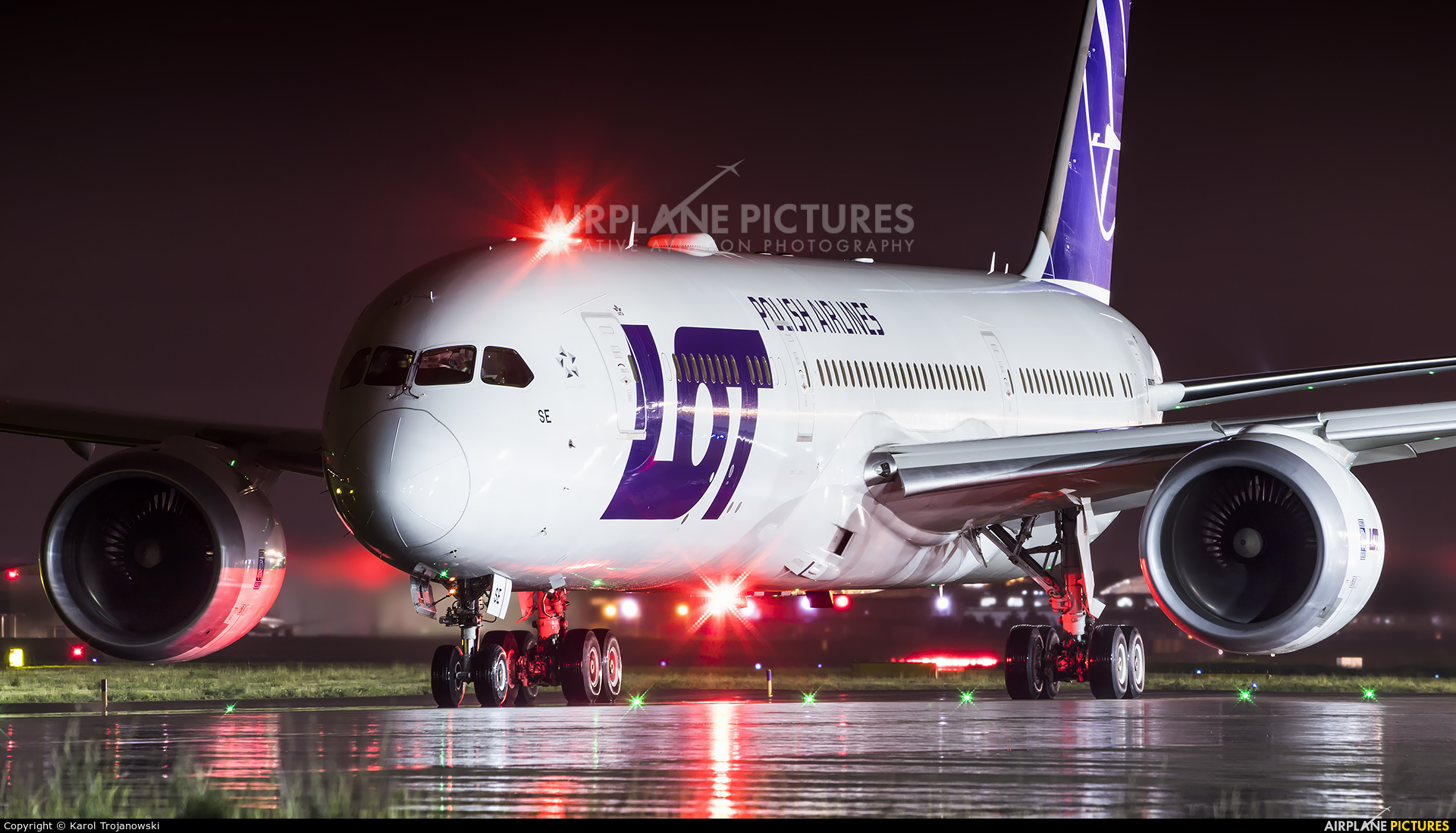 LOT - Polish Airlines SP-LSE aircraft at Warsaw - Frederic Chopin