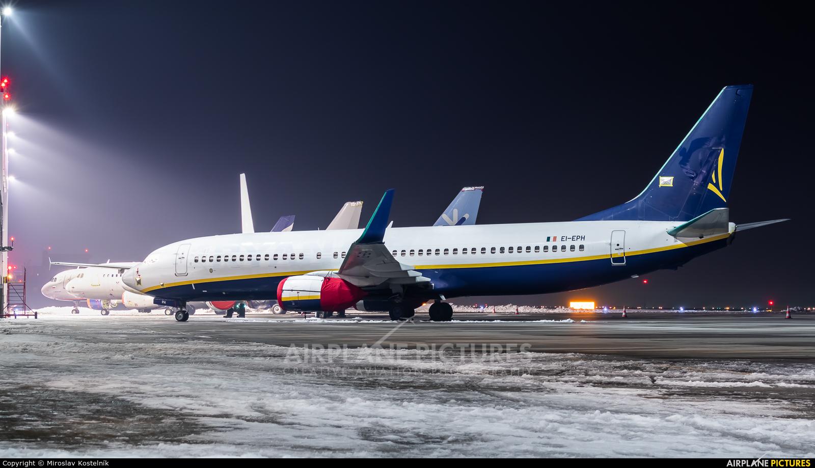 Ryanair EI-EPH aircraft at Ostrava Mošnov