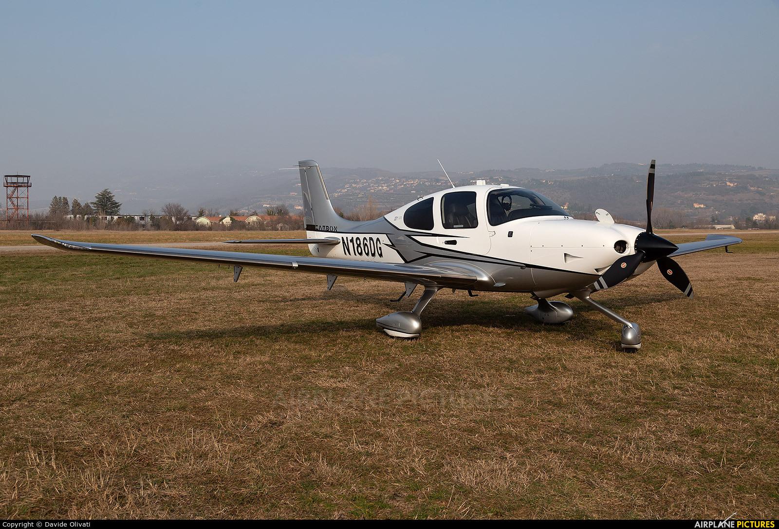 Private N186DG aircraft at Verona - Boscomantico