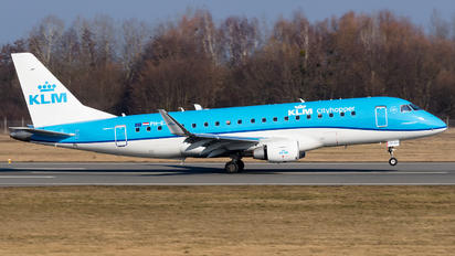 PH-EXK - KLM Cityhopper Embraer ERJ-175 (170-200)