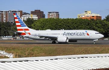 N323SG - American Airlines Boeing 737-8 MAX
