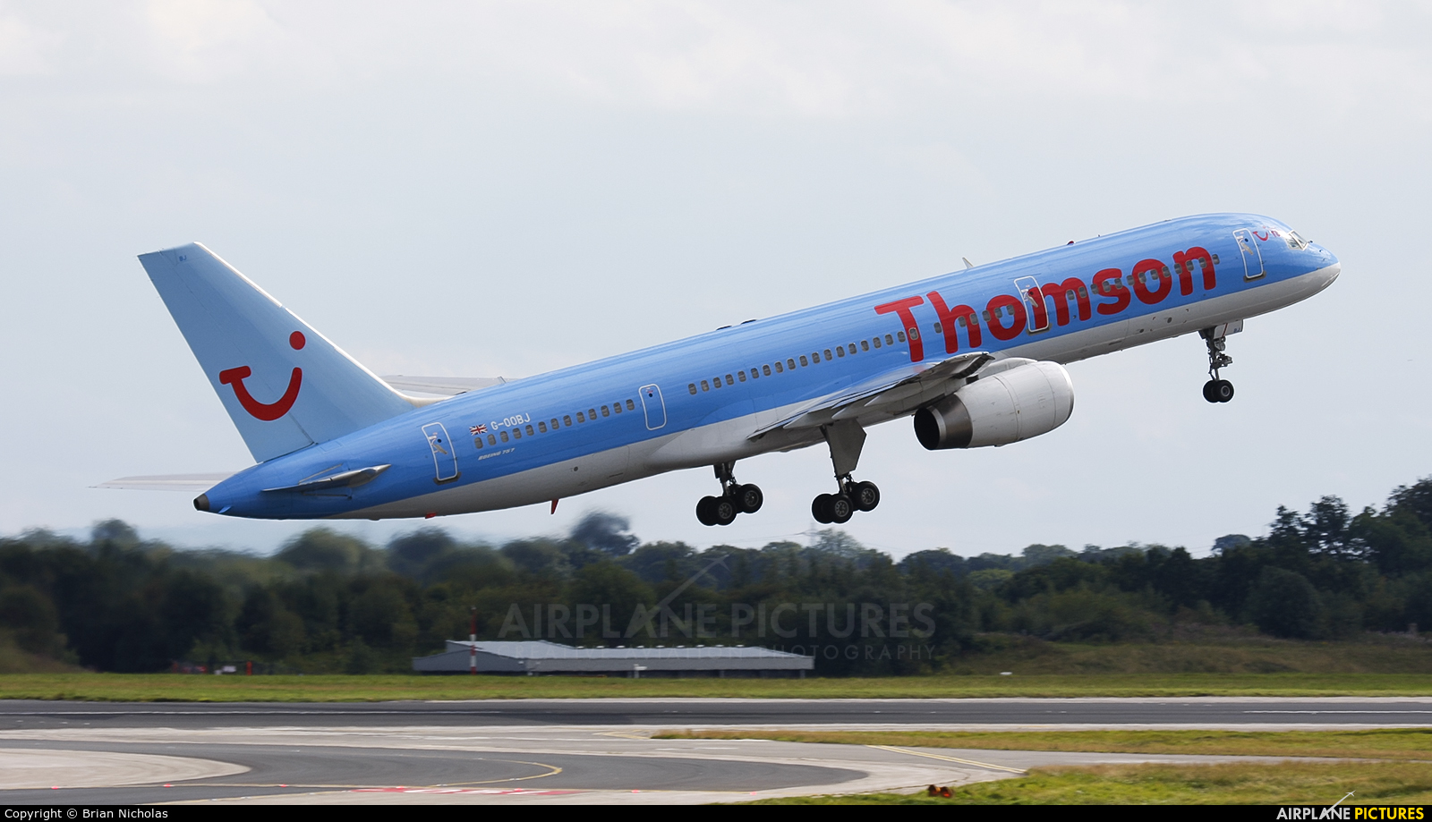 Thomson/Thomsonfly G-OOBJ aircraft at Manchester