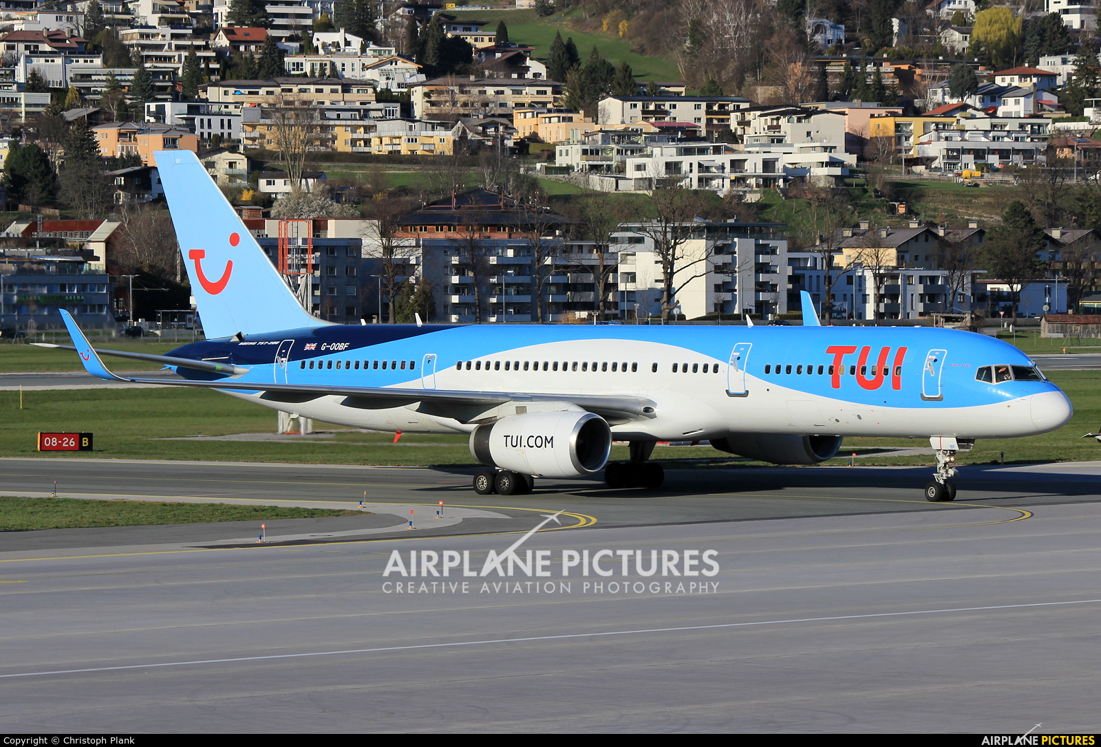 TUI Airways G-OOBF aircraft at Innsbruck