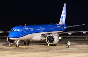 PH-NXA - KLM Cityhopper Embraer ERJ-195-E2