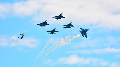 """- - Russia - Air Force """"Russian Knights"""" Sukhoi Su-35S"""