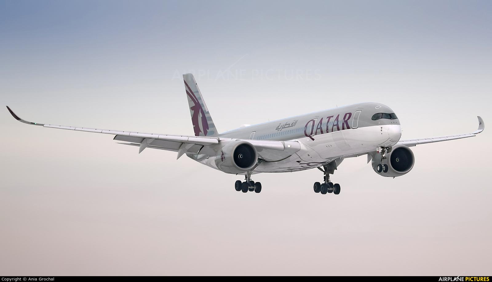 Qatar Airways A7-ALD aircraft at Warsaw - Frederic Chopin