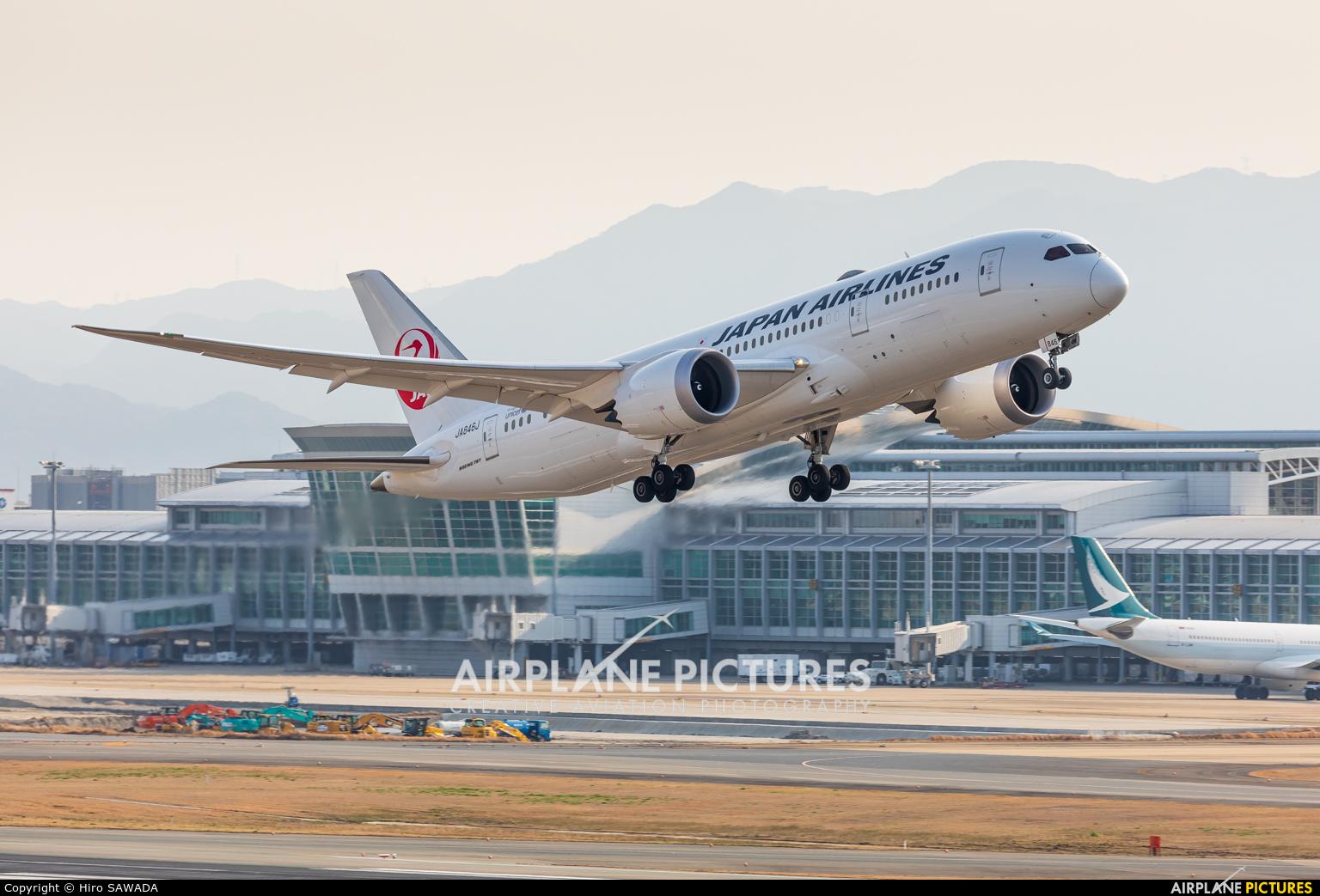 JAL - Japan Airlines JA846J aircraft at Fukuoka
