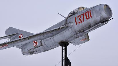 13701 - Poland - Air Force PZL Lim-2