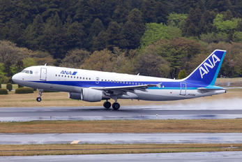 JA205A - ANA - All Nippon Airways Airbus A320