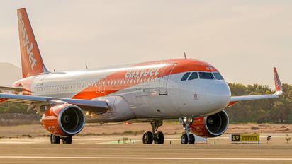 OE-IVW - easyJet Europe Airbus A320