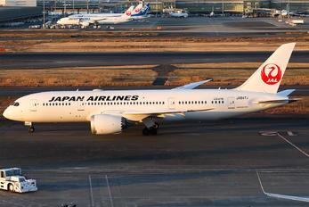 JA847J - JAL - Japan Airlines Boeing 787-8 Dreamliner