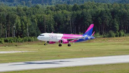 HA-LSC - Wizz Air Airbus A320