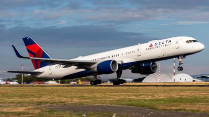 N6711M - Delta Air Lines Boeing 757-200