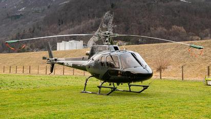 OM-XWB - Sennair Aerospatiale AS350 Ecureuil / Squirrel