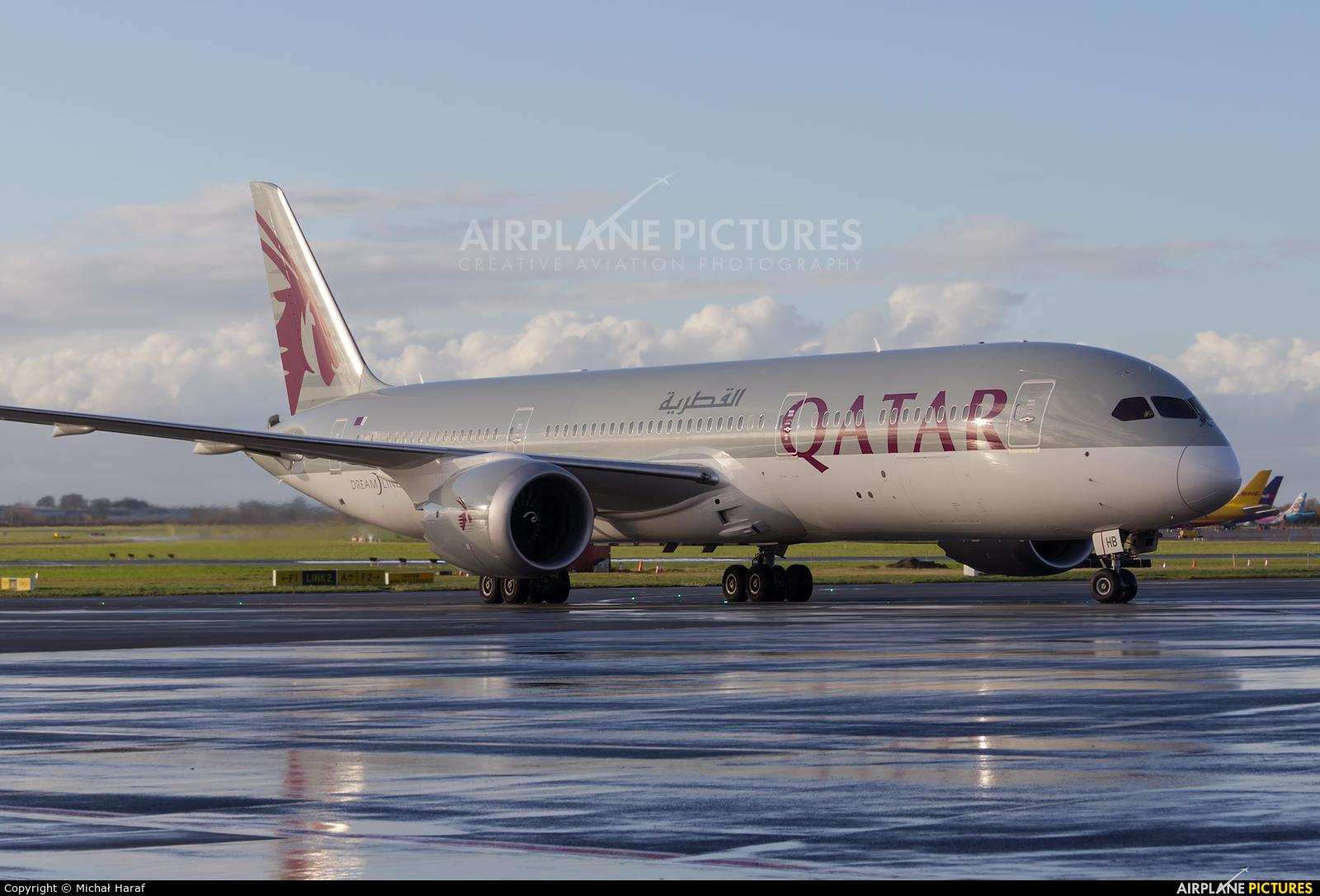 Qatar Airways A7-BHB aircraft at Dublin