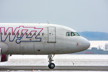 HA-LYZ - Wizz Air Airbus A320