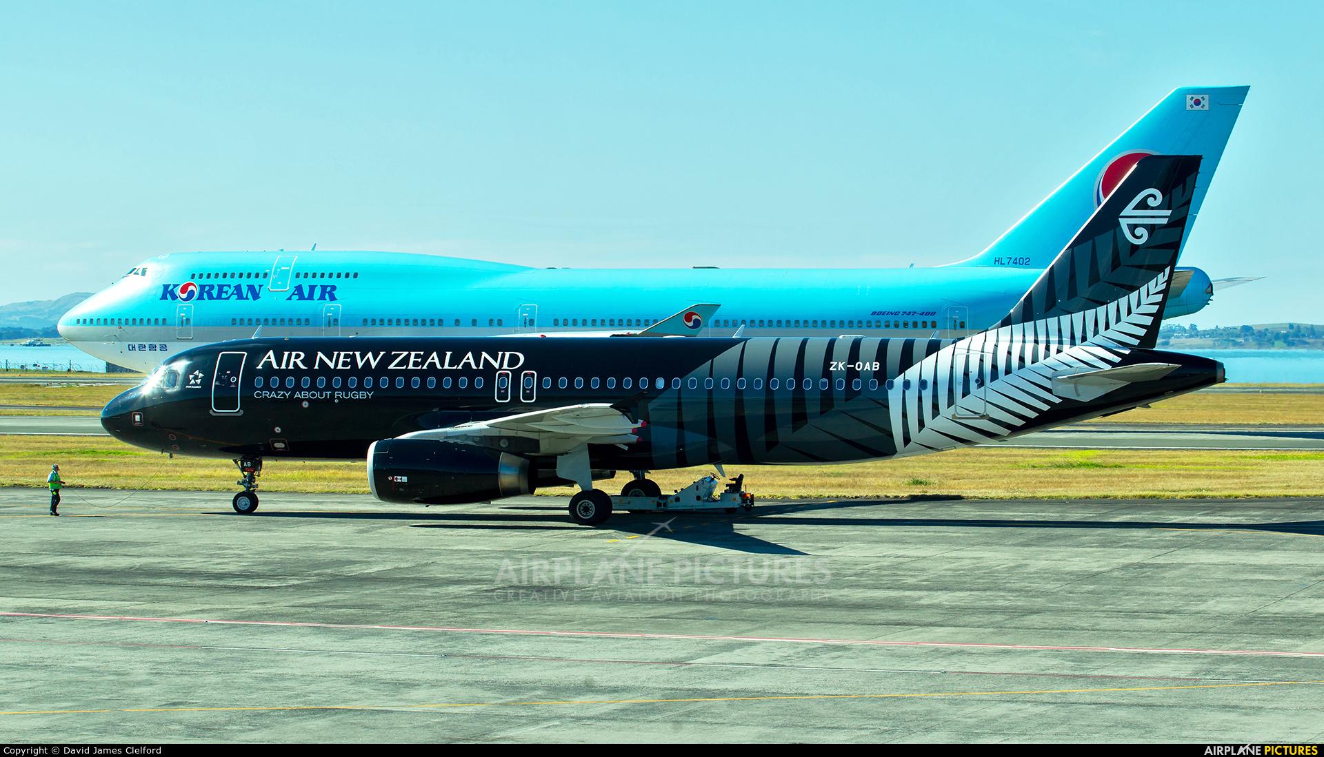 Air New Zealand ZK-OAB aircraft at Auckland Intl