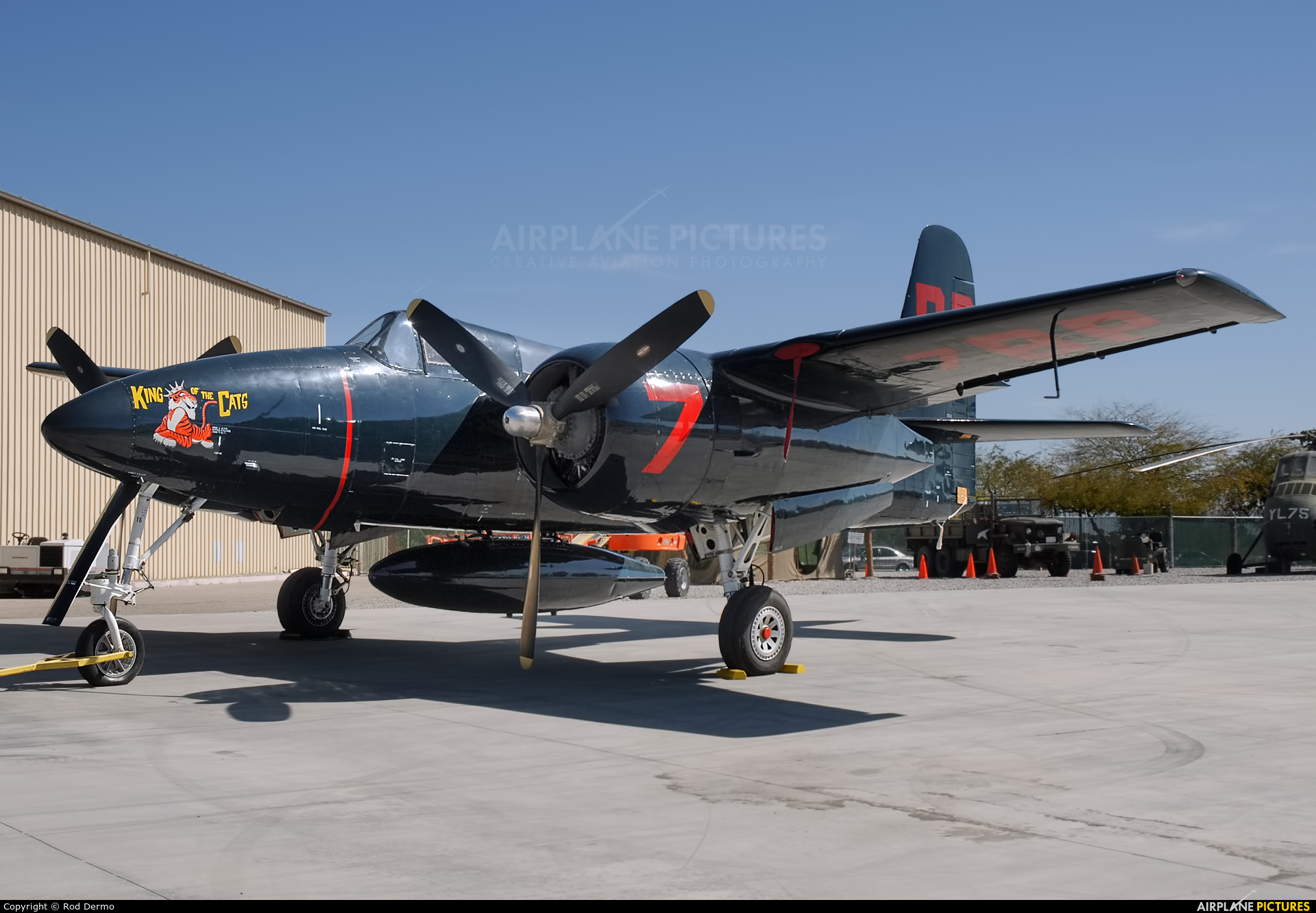 Private NX207F aircraft at Palm Springs Intl