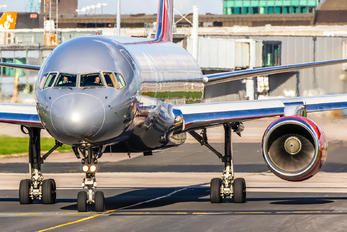 G-LSAH - Jet2 Boeing 757-200