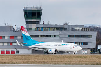 LX-LBR - Luxair Boeing 737-700