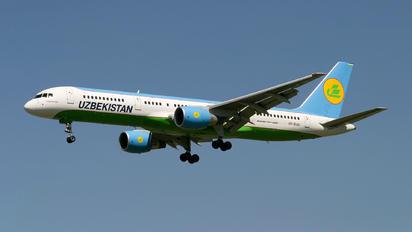 VP-BUD - Uzbekistan Airways Boeing 757-200