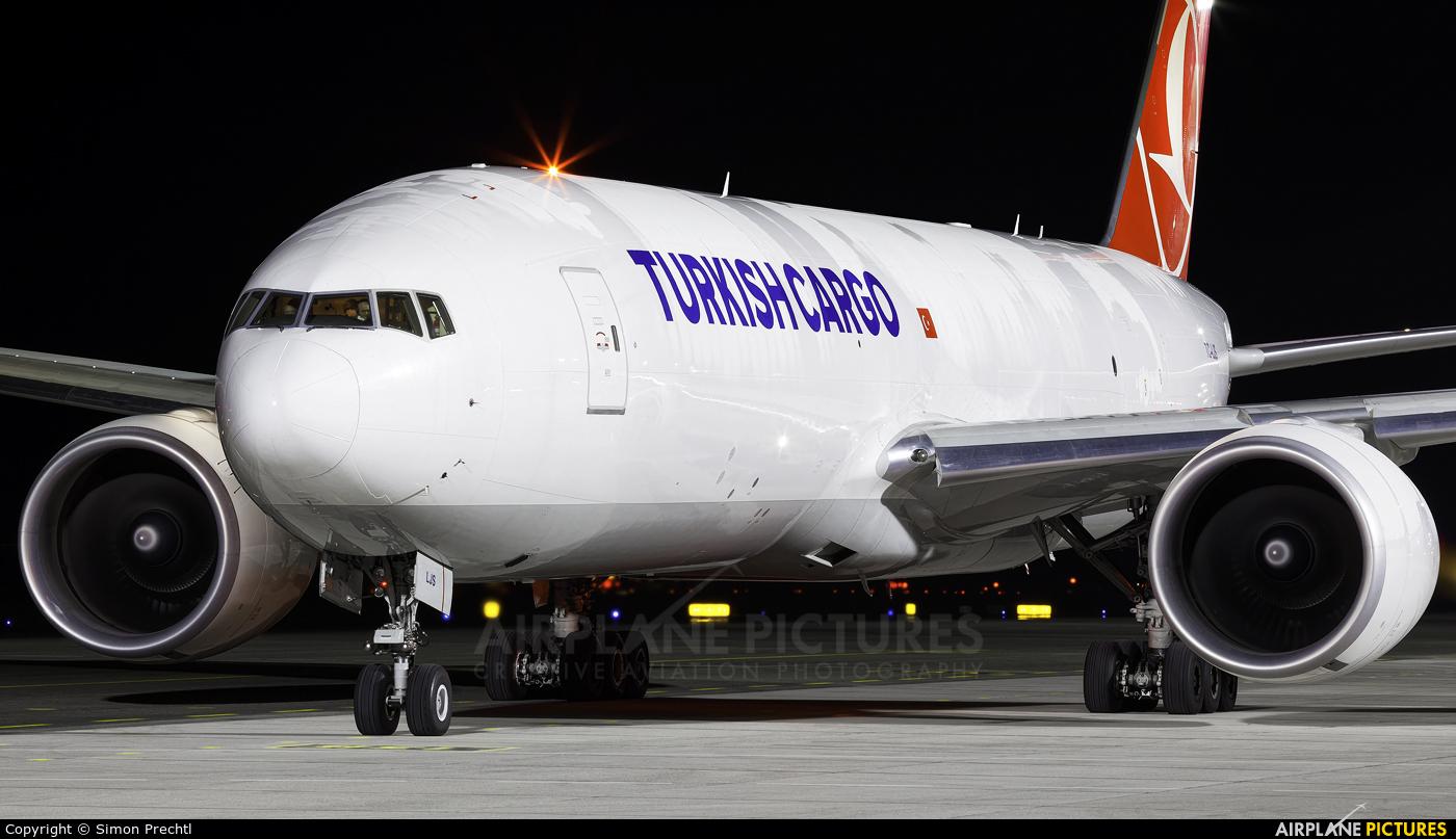 Turkish Cargo TC-LJS aircraft at Linz