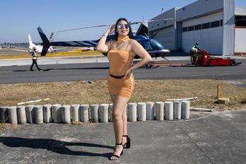 TG-FBI - - Aviation Glamour - Aviation Glamour - Model