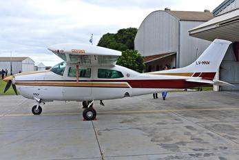LV-MNW - Private Cessna 210 Centurion