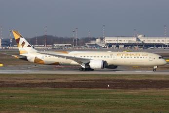 A6-BMG - Etihad Airways Boeing 787-10 Dreamliner