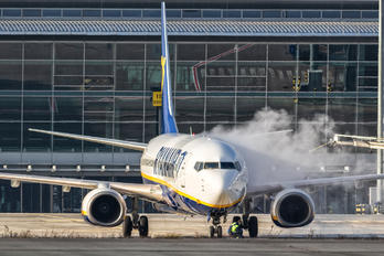 EI-EMD - Ryan Air Boeing 737-8AS