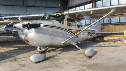 D-EEVE - Private Cessna 172 Skyhawk (all models except RG)