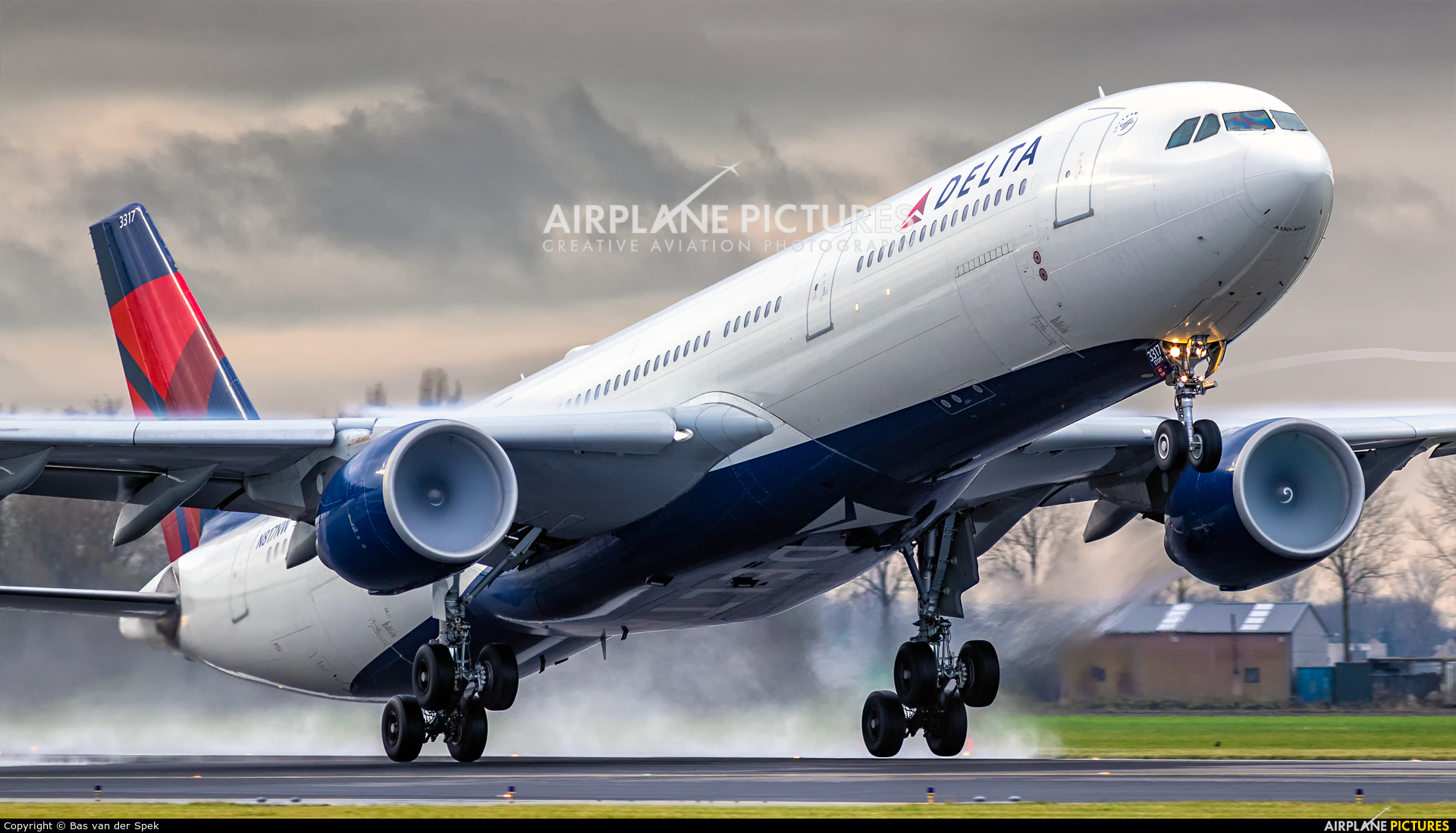 Delta Air Lines N817NW aircraft at Amsterdam - Schiphol