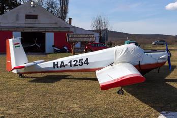 HA-1254 - Private Scheibe-Flugzeugbau SF-25 Falke