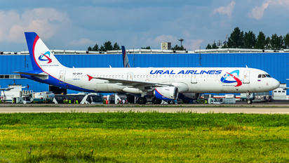 VQ-BKH - Ural Airlines Airbus A321