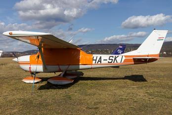 HA-SKI - Private Cessna 150