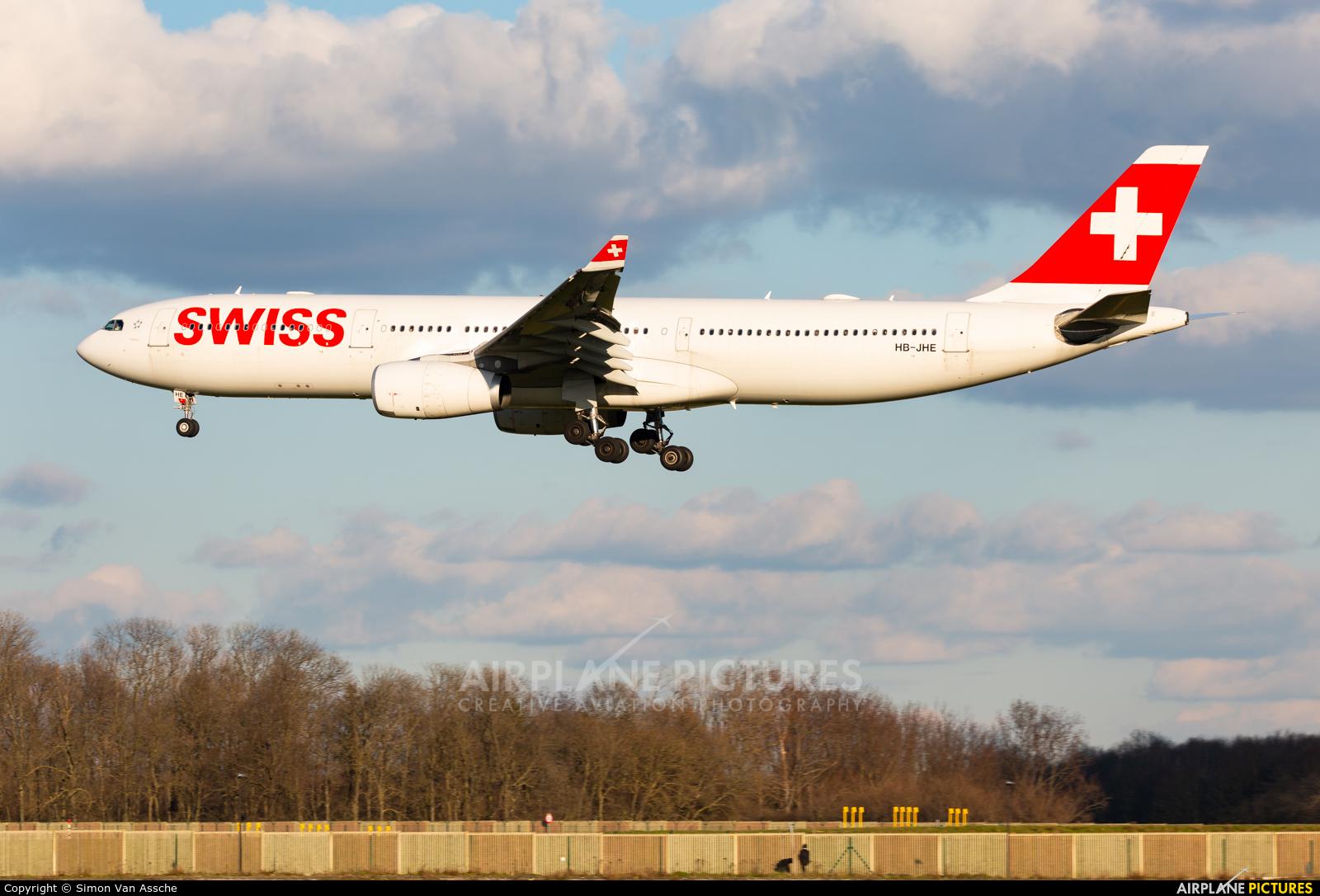 Swiss HB-JHE aircraft at Brussels - Zaventem
