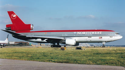 N225NW - Northwest Airlines McDonnell Douglas DC-10