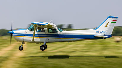 HA-SKD - Private Cessna 172 Skyhawk (all models except RG)