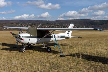 HA-TUN - Private Cessna 150