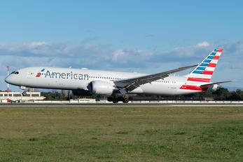 N830AN - American Airlines Boeing 787-9 Dreamliner