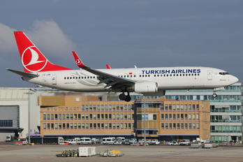 TC-JHK - Turkish Airlines Boeing 737-800